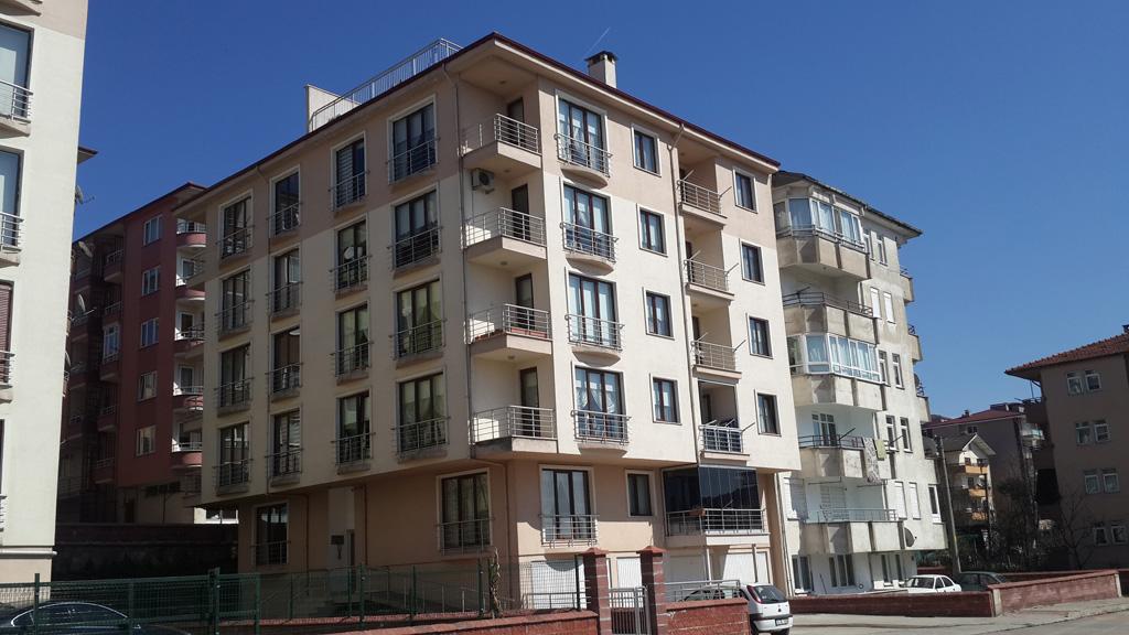Özge Apartmanı Gazi İlköğretim Arkası