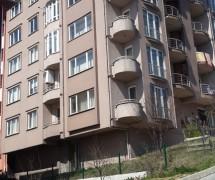 Özge Apartmanı Asrı Mezarlık Karşısı